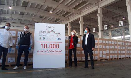 """Sono già ben diecimila i pacchi """"firmati"""" Da Vittorio distribuiti alle famiglie in difficoltà"""