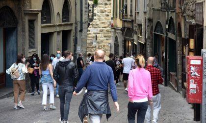 """Controlli in Città Alta per evitare assembramenti e scongiurare il caos """"movida"""""""