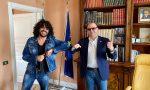 Francesco Renga a Sarnico per girare un video sul lungolago