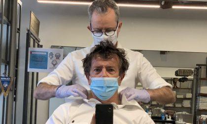 La fase 2-bis riparte… dal parrucchiere. E c'è anche chi ha aperto a mezzanotte