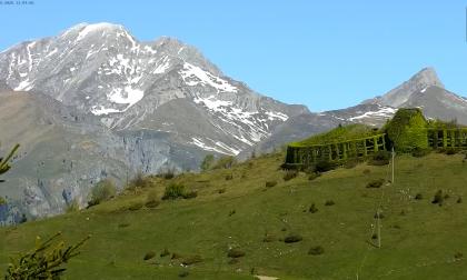 Sul Monte Farno con un clic: immagini in diretta dalla Val Gandino, pure col time lapse