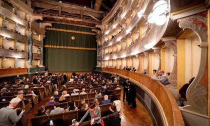 Al Teatro Sociale la banda dei Vigili del Fuoco ricorda le vittime del Covid