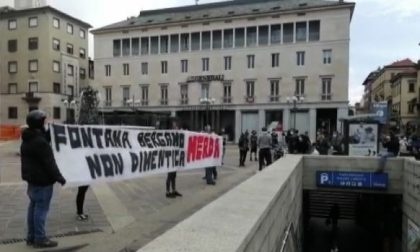 Fontana ha parlato della mancata zona rossa in Procura a Bergamo. Accolto tra le contestazioni