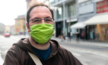 Stefania, la volontaria che cuce le mascherine per i poveri (e per i frati)