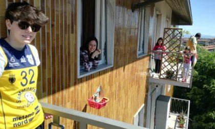 Altro che smartphone. L'amicizia di Elena, Angela e Lucia corre sulla… teleferica