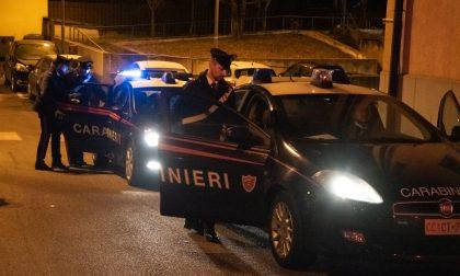 Violenta lite tra due marocchini in strada: uno è ricercato e finisce in carcere