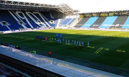 La serata al Gewiss Stadium: silenzio, commozione, le voci dei protagonisti e degli ultras