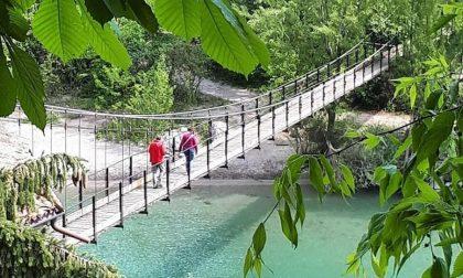 """Il """"ponte che balla"""" di Clanezzo, antenato dei tibetani (oggi di moda)"""