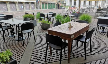 Dehors davanti alla fu Taverna del Colleoni, ma per il nuovo ristorante bisogna attendere
