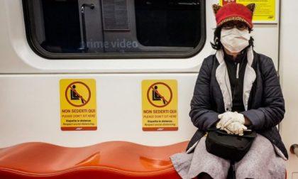 Guanti addio, sui mezzi pubblici non è più un obbligo