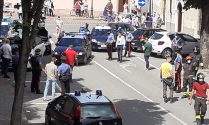 Rapinano una banca e le poste, poi fuggono: arrestati due sessantenni bergamaschi
