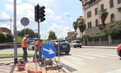 All'incrocio tra via San Giorgio, via Autostrada e via Paleocapa spunta un nuovo semaforo
