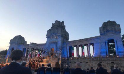 L'Inno e poi il ricordo delle nostre vittime nelle struggenti note del Requiem del Donizetti