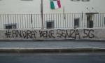 A Bergamo si sono scatenati quelli contrari alla sperimentazione del 5G