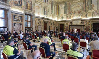 L'affettuoso abbraccio di Papa Francesco a Bergamo e alla Lombardia