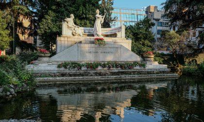 Il monumento dedicato a Gaetano Donizetti sarà ripulito: in inverno partirà il restauro