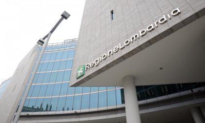 Bonus a medici e infermieri per la lotta al Covid dimezzato: il Pd attacca la Regione (che risponde)