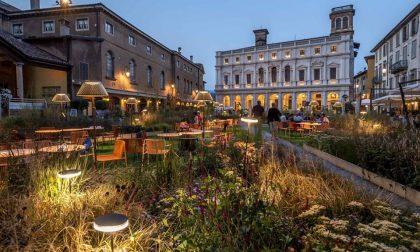 Piazza Vecchia, il Caffè del Tasso diventa un estivo: T Garden
