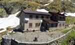 """Alla scoperta delle """"capanne orobiche"""": il rifugio Baroni al Brunone, tra nuvole e montagne"""