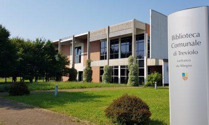 Il giardino della biblioteca di Treviolo diventa un teatro a cielo aperto: c'è il Calderone!