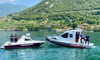 Il bilancio dei carabinieri: 110 barche controllate, 2 sequestrate e 1 patente nautica ritirata