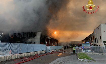 La ricostruzione dell'incendio nella ditta a Costa di Mezzate, danni per milioni di euro