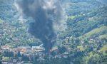 Va a fuoco un capannone, video (anche di un drone) e foto dello spaventoso incendio a Leffe