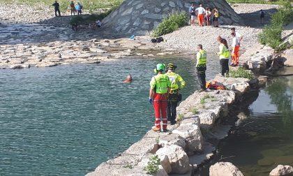 Cade nelle acque del Brembo e non riemerge. Ragazzino di 12 anni muore annegato