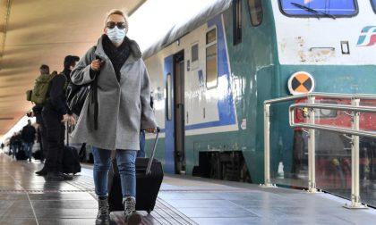 Distanziamento e mascherine sui mezzi di trasporto, scontro tra Regione e ministero