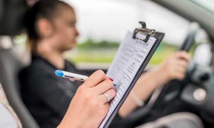 Prove pratiche per la patente sospese fino al 21 novembre, nelle zone rosse