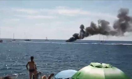 Imbarcazione con dieci turisti prende fuoco all'Isola d'Elba: illesi