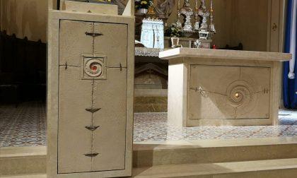 È di Ugo Riva il nuovo altare della parrocchia di Marne