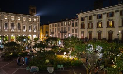 10 frasi in dialetto sull'allestimento in Piazza Vecchia de I Maestri del Paesaggio