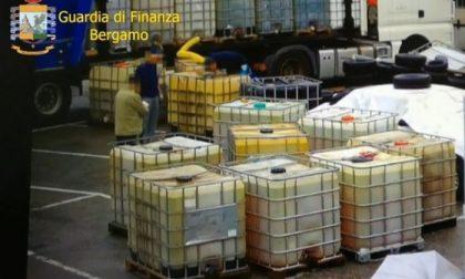 Oltre 3mila tonnellate di benzina contrabbandata: sgominata banda, 10 gli arresti