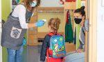 Riaprono le scuole e mamme sull'orlo di una crisi di nervi (con l'incubo delle chat di classe)