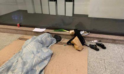 Bergamo ha un problema: in viale Papa Giovanni crescono spaccio, senzatetto e… insofferenza