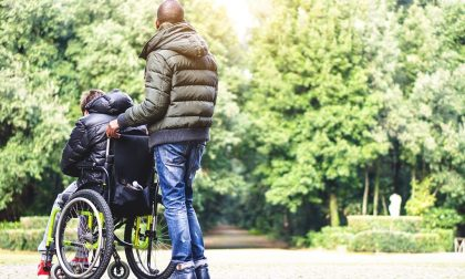 Disabili gravi non inseriti nelle liste dell'Inps: come fare per prenotare il vaccino anti-Covid