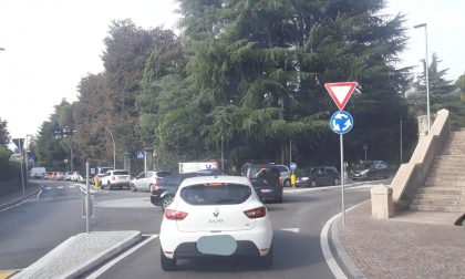 Mattinata da incubo in Val Seriana: provinciale chiusa e traffico paralizzato nei paesi