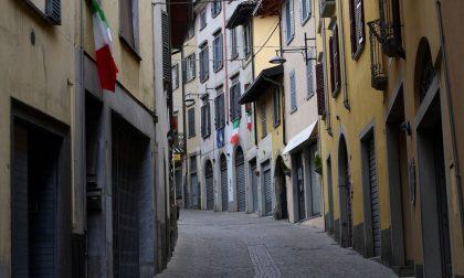 I retroscena e le domande ancora senza risposta sul coprifuoco notturno in Lombardia