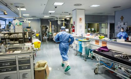 L'appello di tre dottori (tra cui il bergamasco Rizzi) a cittadini e istituzioni per combattere il virus