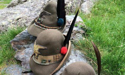 Gli alpini di Bergamo e Brescia uniti, a Palazzolo, per ricordare le vittime del Covid