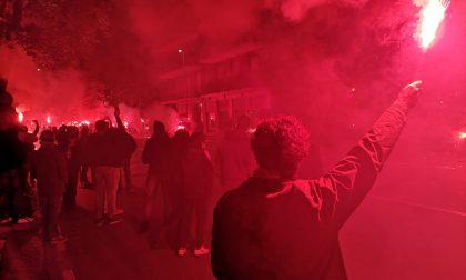 Atalanta-Ajax, i video della fiaccolata dei tifosi prima dell'arrivo della squadra allo stadio