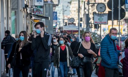 La curva dei contagi sale, si pensa a chiudere Milano e torna lo spettro del lockdown