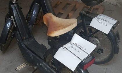 """Dopo 21 anni la Polizia restituisce al parroco il suo """"Ciao"""" rubato"""