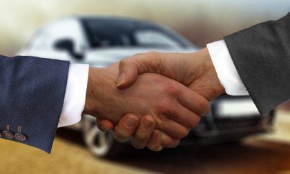 Bergamasco 40enne vende un'auto usata e dopo aver intascato i contanti sparisce