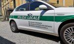 Non rispetta l'alt degli agenti e si schianta: era senza patente, 6.500 euro di multa