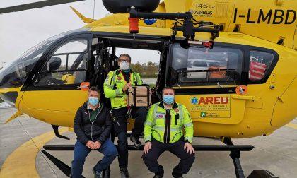 L'elissoccorso di Bergamo vola con plasma e globuli rossi per assistere chi ha un trauma