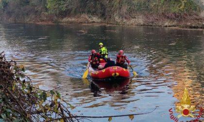 Il video del salvataggio di un uomo di 65 anni caduto nel Brembo a Ponte San Pietro