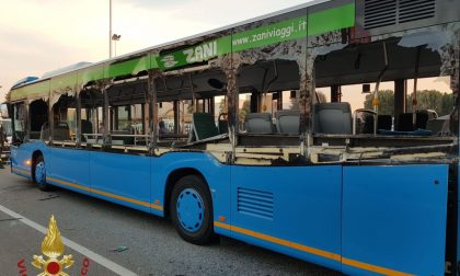 Betoniera contro autobus a a Seriate: vetri a pezzi, feriti cinque studenti