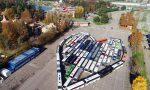 Manifestazione dei bus turistici: parcheggiati a forma di cuore a Leolandia